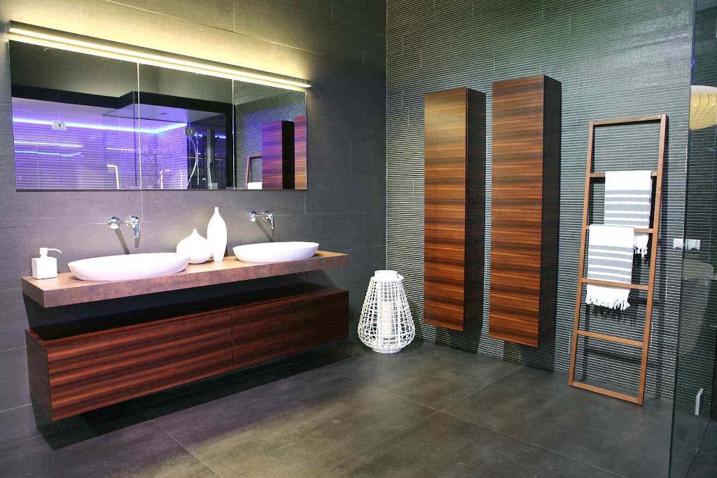basel-swissbau-trendbad-partnerstand-2014-projektleitung-talsee-hgc-kueng-sauna-Raum-9