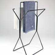 freistehender-Hantuchstaender-wingman-Bad-Ankleide-Designer-Sebastian-Frank-Produkte-Gestaltung-6