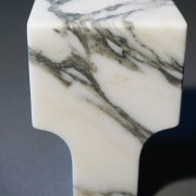 Buchstopper-Seifenstaender-Classico-Marmor-arabescato-rosso-levanto-Atipico-Designer-Studiocharlie-11