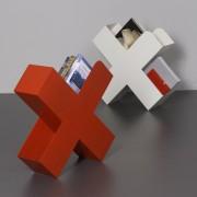 Bukan-Zeitschriftenstaender-Mox-Stahlblech-weiss-schwarz-rot-Design-Charles-O.-Job-5