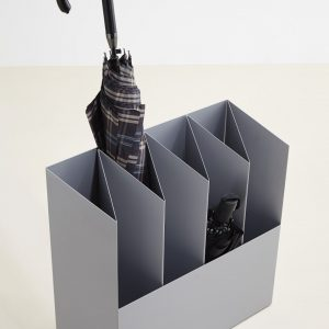 Kant Design Schirmständer aus Stahlblech und guter Funktionalität