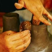 12-Barro-pottery-ceramic-terracotta-Pot-Schale-Topf-gross-und-klein-large-und-small-by-Sebastian-Herkner-ames-sala