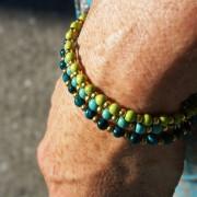12-Farbige-Sommer-Perlenarmbaender-SeedBeads-tuerkis-und-gold-glanz-acqua-dunkelund-gold-glanz-limonengelb-und-gold-glanz-farbig-fuer-den-Sommer