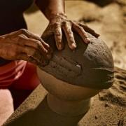 14-Barro-pottery-ceramic-terracotta-Pot-Schale-Topf-gross-und-klein-large-und-small-by-Sebastian-Herkner-ames-sala