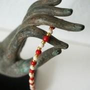 17-Perlenarmbaender-tuerkis-rot-weiss-und-gold-glanz-mit-Elefaentchen-weiss-und-gold-glanz-rot-weiss-und-gold-glanz-farbig-fuer-den-Sommer