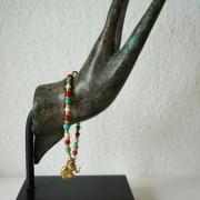 25-Perlenarmbaender-tuerkis-rot-weiss-und-gold-glanz-mit-Elefaentchen-weiss-und-gold-glanz-rot-weiss-und-gold-glanz-farbig-fuer-den-Sommer