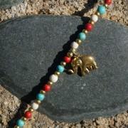 4-Perlenarmbaender-tuerkis-rot-weiss-und-gold-glanz-mit-Elefaentchen-weiss-und-gold-glanz-rot-weiss-und-gold-glanz-farbig-fuer-den-Sommer