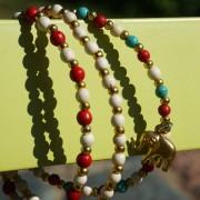 7-Perlenarmbaender-tuerkis-rot-weiss-und-gold-glanz-mit-Elefaentchen-weiss-und-gold-glanz-rot-weiss-und-gold-glanz-farbig-fuer-den-Sommer