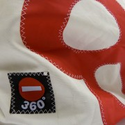 360-Grad-Segeltuch-Rucksacktasche-weiss-Zahl-rot-Damen-und-Herren-Seesack-aus-upcycelten-Materialien-14