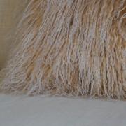 fell-kissen-beige-longhair-zapfenzieher-lammfell-tibet-5