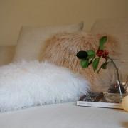 fell-kissen-beige-longhair-zapfenzieher-lammfell-tibet-9