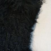 fellkissen-schwarz-longhair-zapfenzieher-lammfell-tibet-2