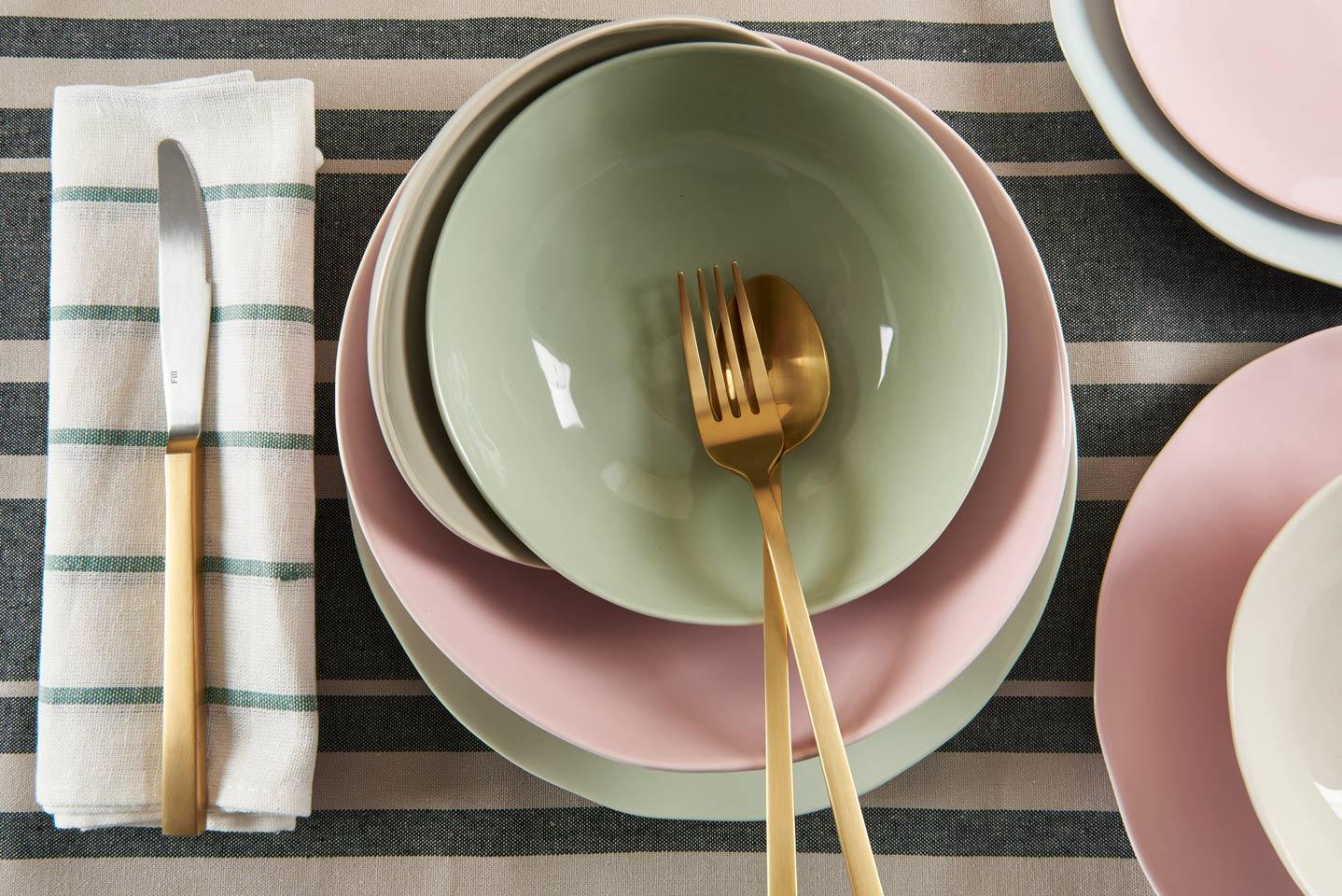 salvia salatschale keramikgeschirr in zartem pastell valeria gunz. Black Bedroom Furniture Sets. Home Design Ideas