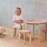 Tisch-rund-farbig-Kinder-Swiss-Design-blueroom-17