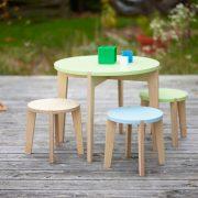 Tisch-rund-farbig-Kinder-Swiss-Design-blueroom-7