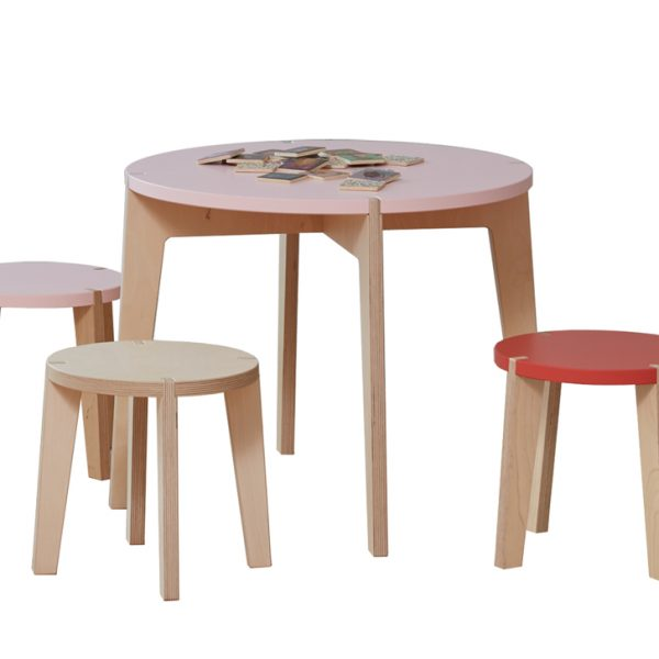 Tisch-rund-farbig-Kinder-Swiss-Design-blueroom-8