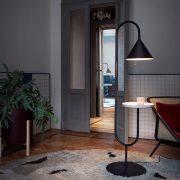 OZZ-Lampe-mit-Beistelltisch-Miniforms-2