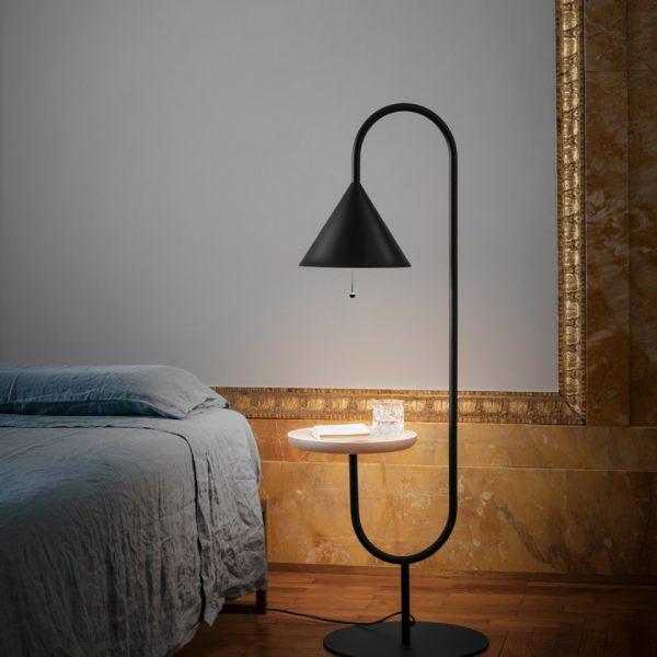 """""""OZZ"""" Lampe mit Beistelltisch - ab 890.00 CHF"""
